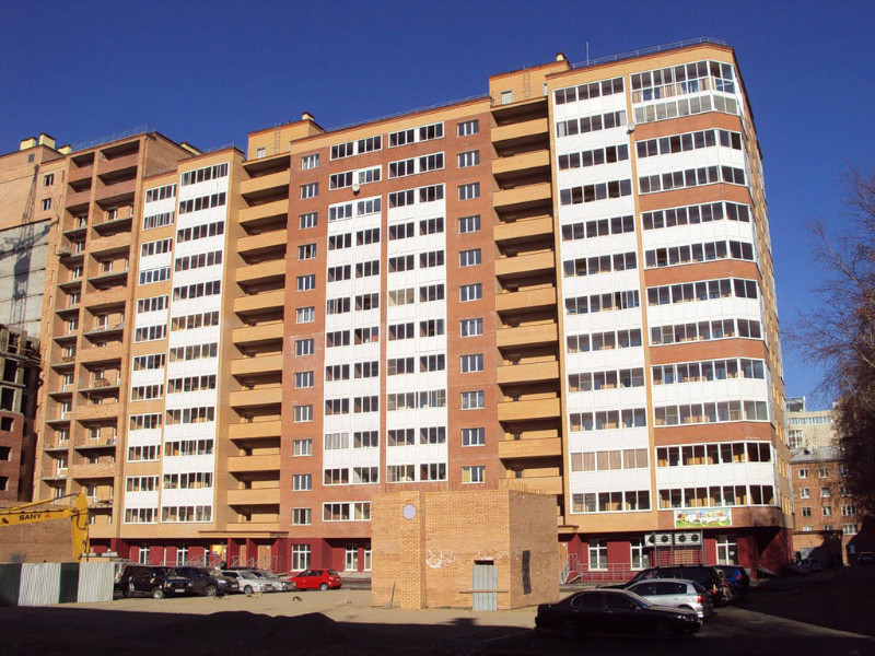"""<p>&laquo;В Иркутске мы выбрали двухкомнатную квартиру площадью 92 кв.м на 14-м этаже в жилом комплексе на Декабрьских Событий от компании `<a href=""""http://realty.irk.ru/company.php?id=64"""">Маирта</a>`: проверенный застройщик, развитая инфраструктура, центр города, хорошие соседи, охрана, консьерж&raquo;.</p>"""