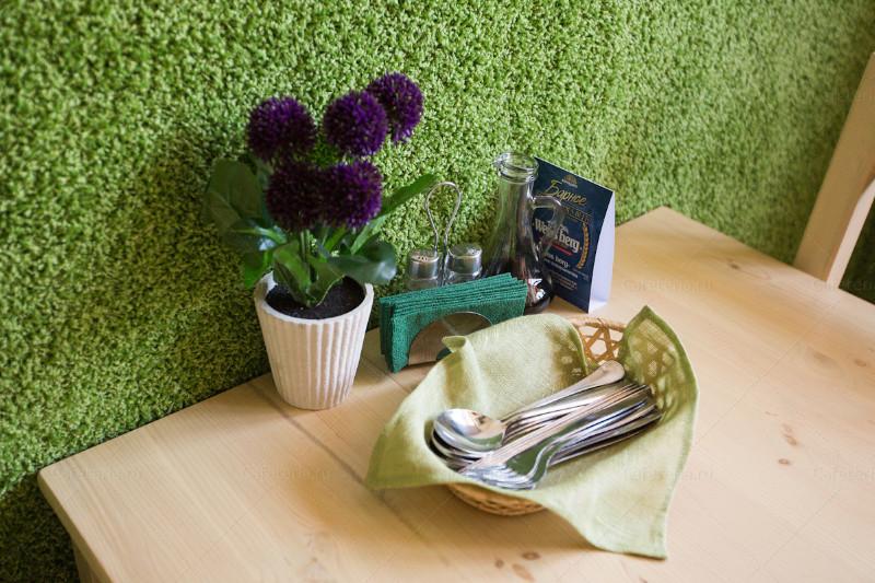 <p>Фото из архива кафе &quot;Зелень&quot;</p>