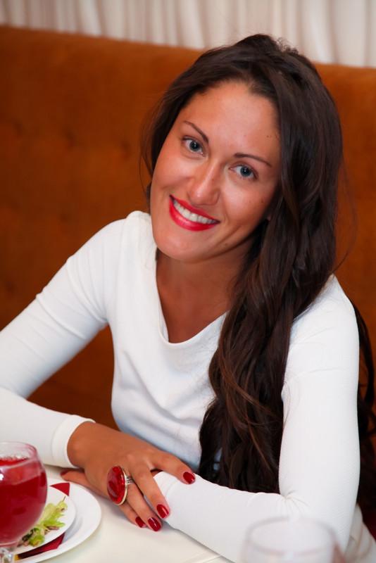<p>Екатерина Фереферова, директор кафе &laquo;Зелень&raquo; !</p>
